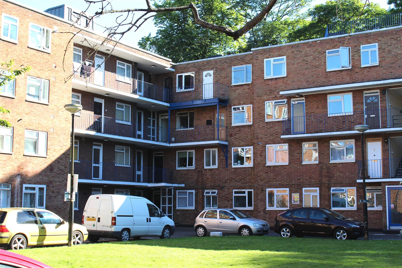1 Bedroom Flat for sale in High Street South, Dunstable